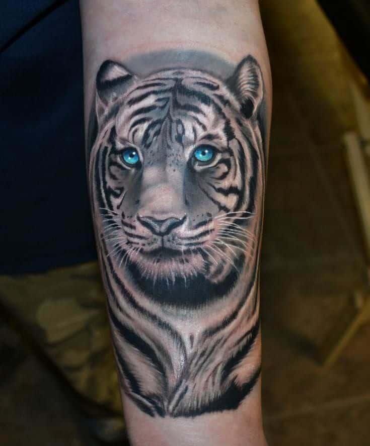 тату с белым тигром поведает об уникальности человека