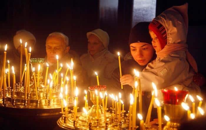 как правильно ставить свечи в церкви последовательность