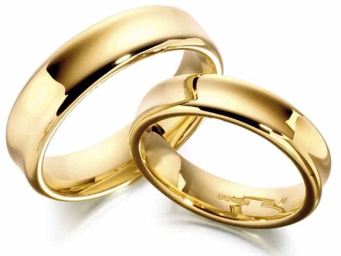 золото - самый популярный материал для свадебного кольца