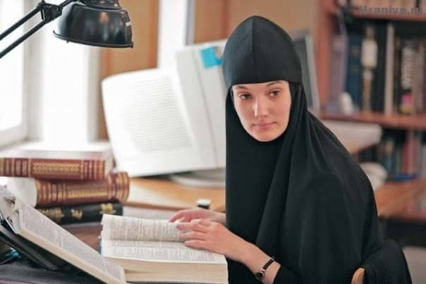 как уйти в монастырь женщине