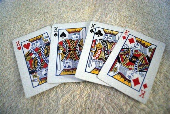 гадание с карточными королями