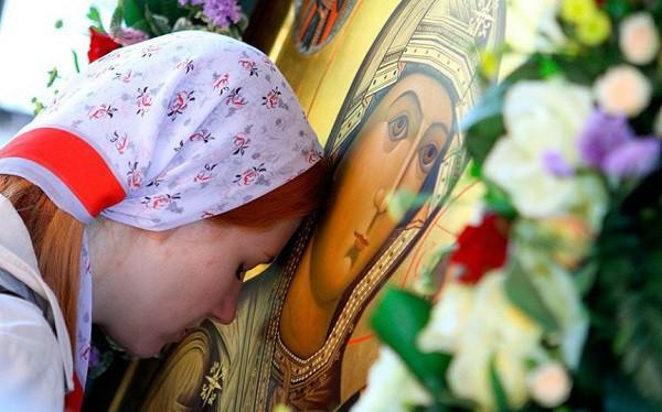 Сильная молитва на взаимную любовь парня и девушки