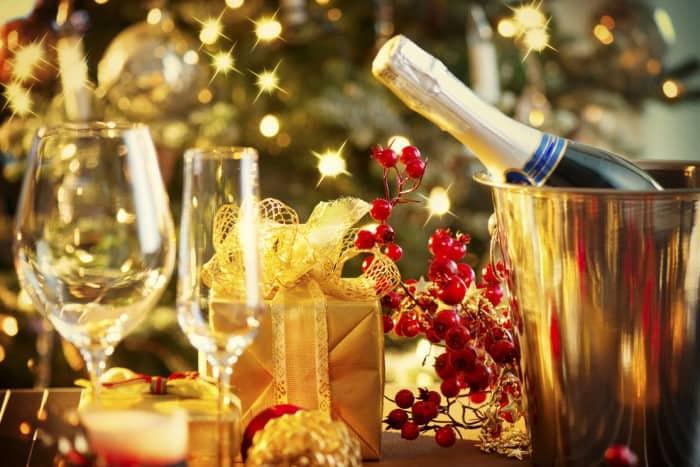 шампанское - основной напиток на новый год