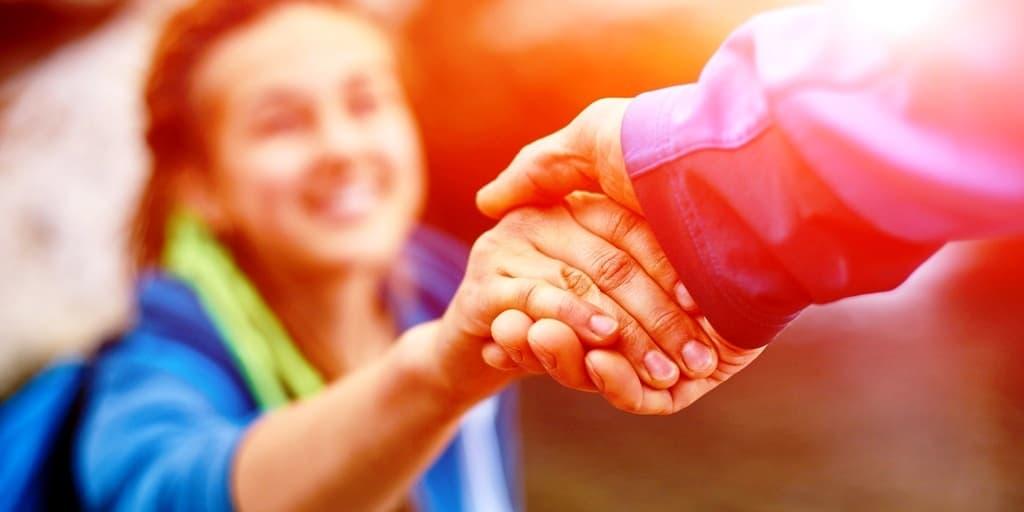 помогайте другим, но с умом