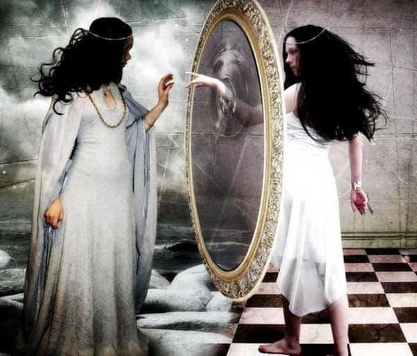 зеркало - это портал в другой мир