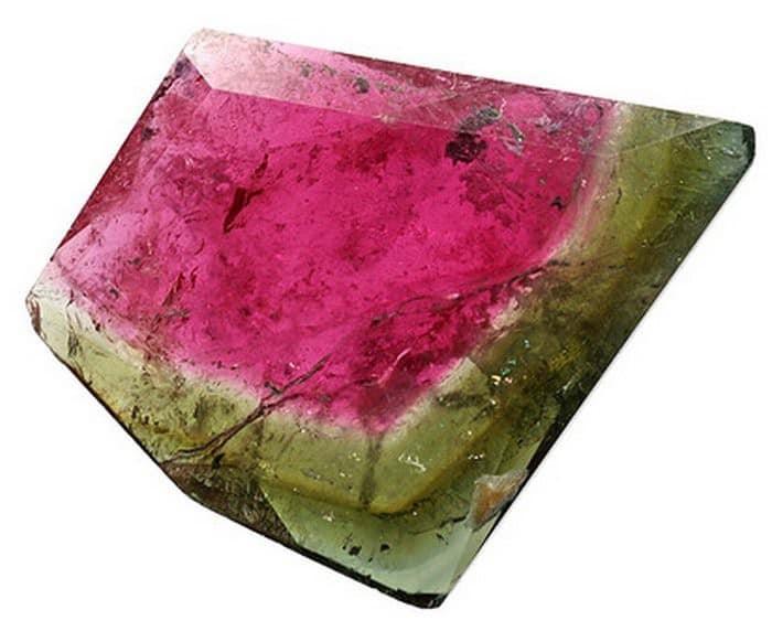 камень турмалин фото