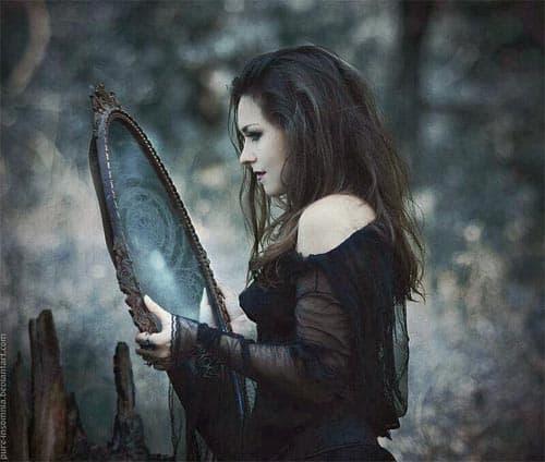 обращаться с зеркалами нужно осторожно