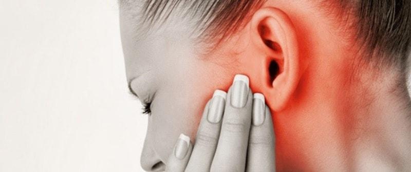 краснота на левом ухе