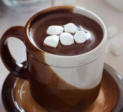 Как узнать, к чему снится шоколад: толкования сонников