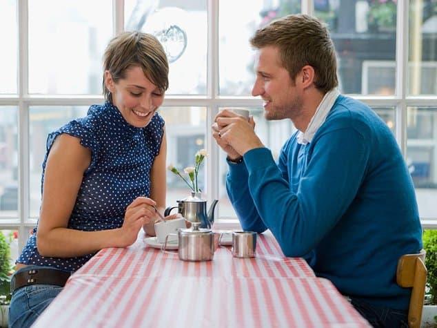 Как начать разговор с девушкой и о чем с ней разговаривать