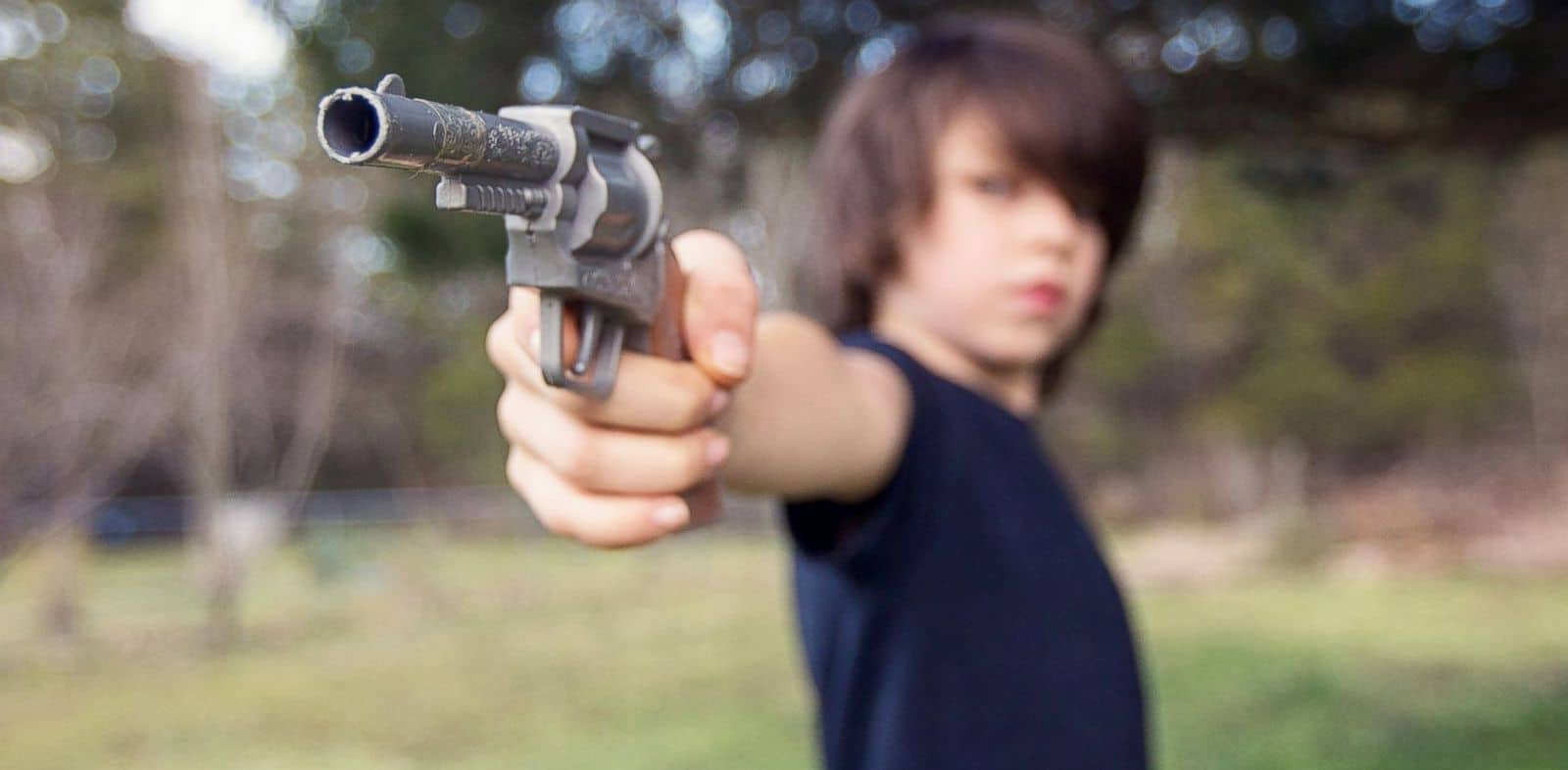 К чему снится пистолет - снится пистолет в руках стрелять с него к чему это