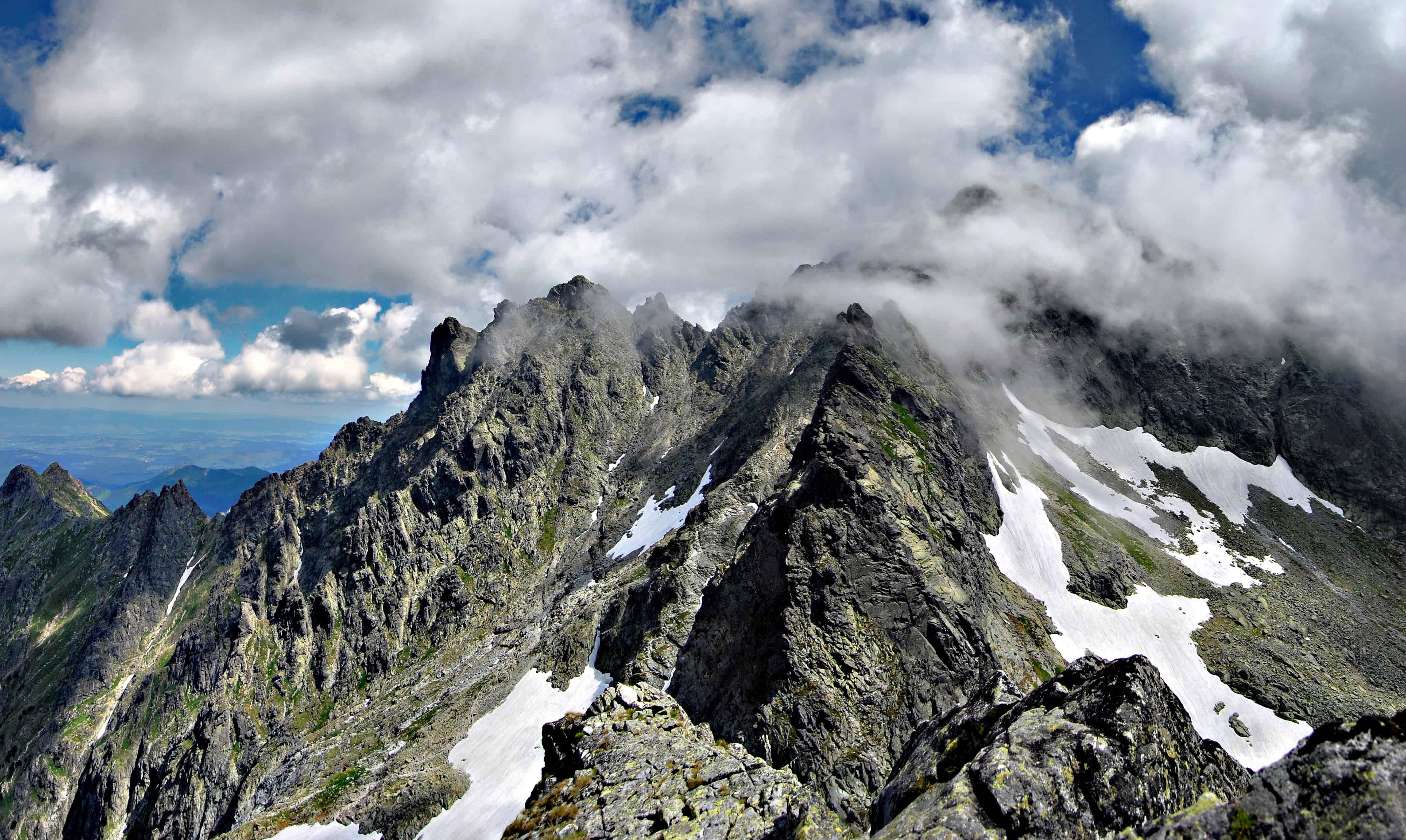 К чему снятся горы — к проблемам или возможностям
