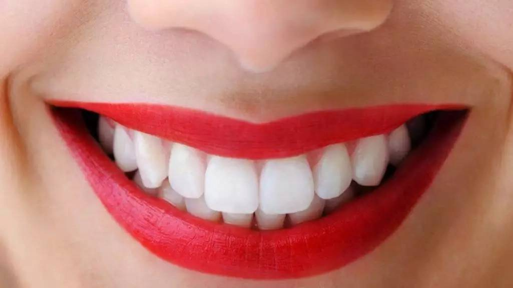Зубы во сне - символ благополучия (здоровые)