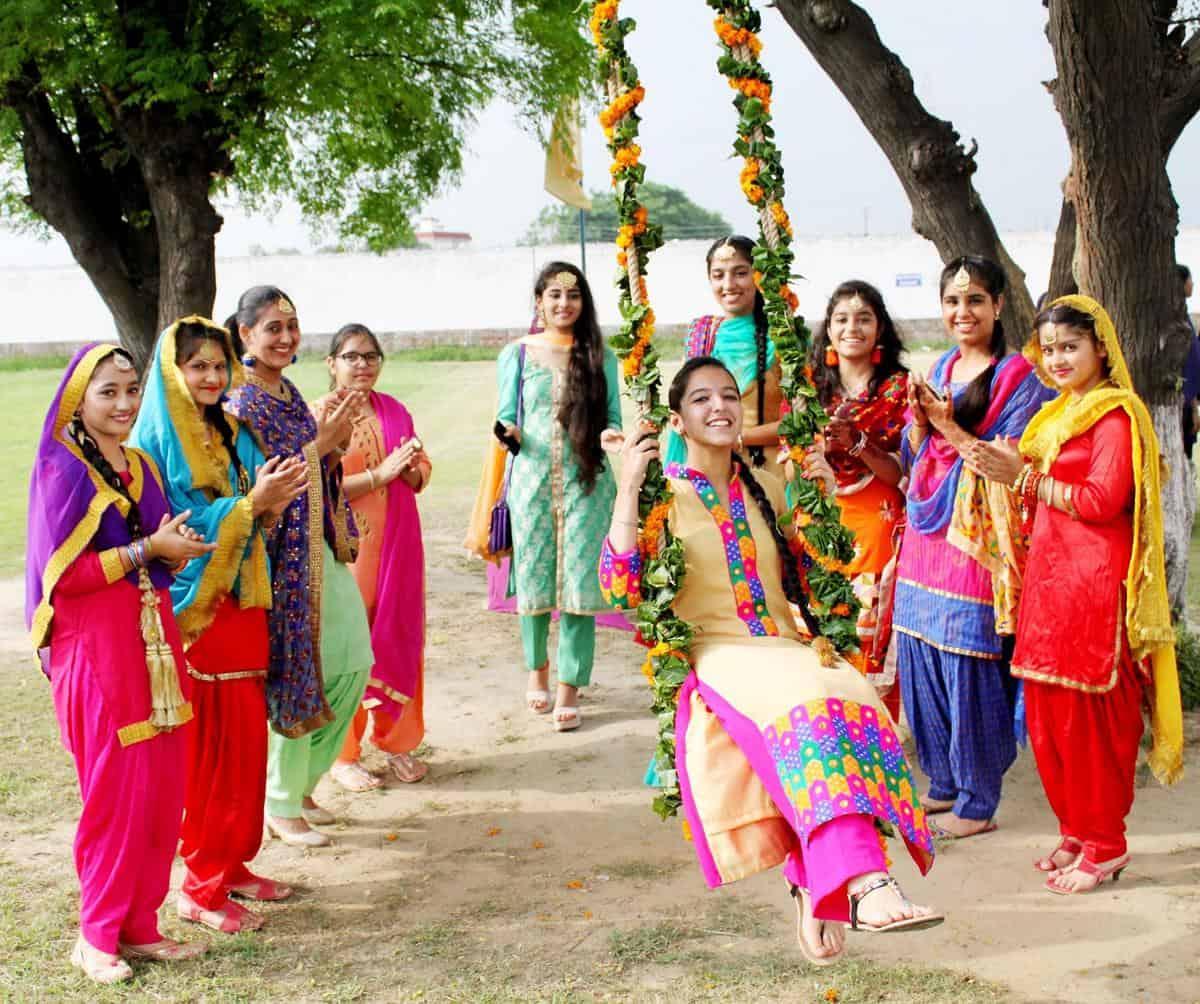 праздник Тидж в Индии