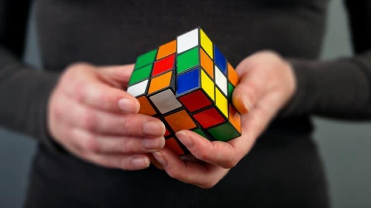 кубик Рубика развивает логику