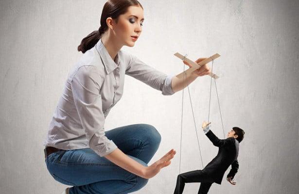 мужчинами умело манипулируют