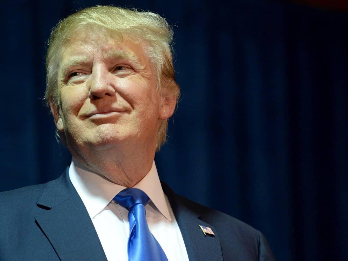 Дональд Трамп - известный владелец Урана в 10 доме
