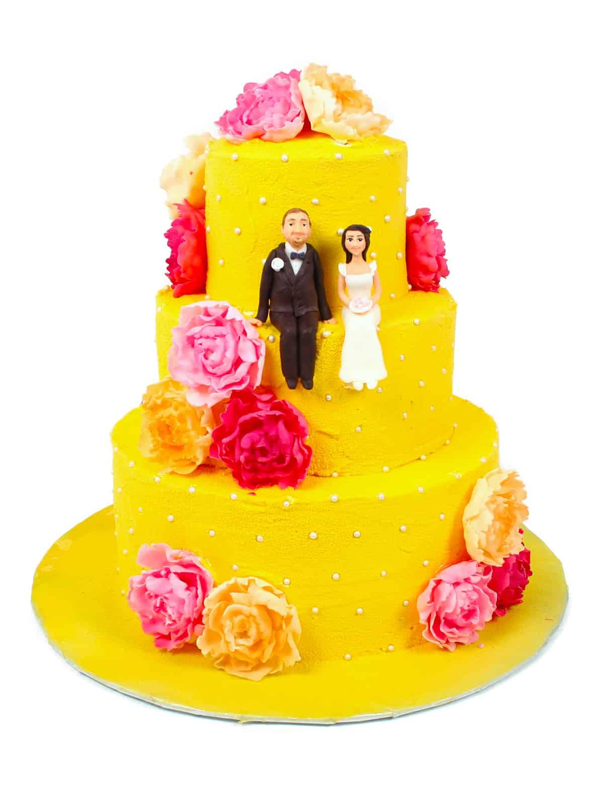 торт - обязательный атрибут праздника