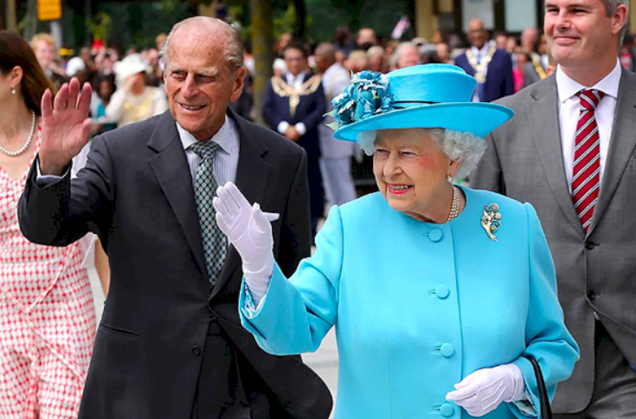 королева Елизавета 2 с мужем