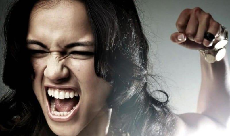 недопустимы проявления агрессии, напора