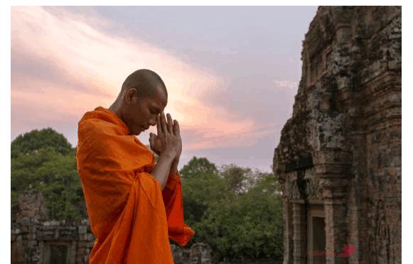 священная книга буддизма