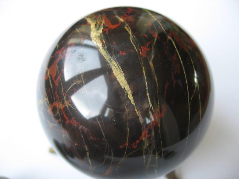 гематит камень свойства кому подходит