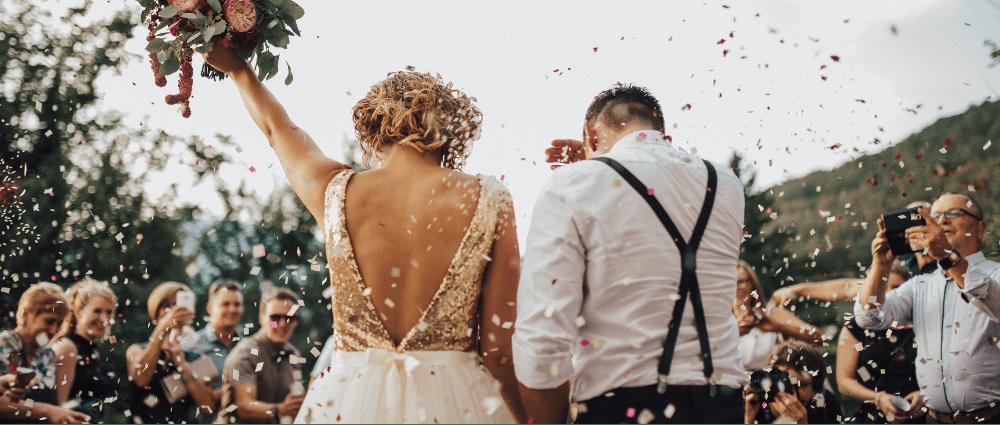 такой МЧ организует пышную свадьбу