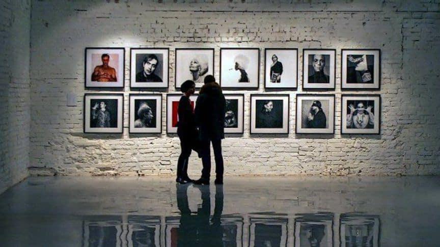 нативу важно посещать художественные выставки