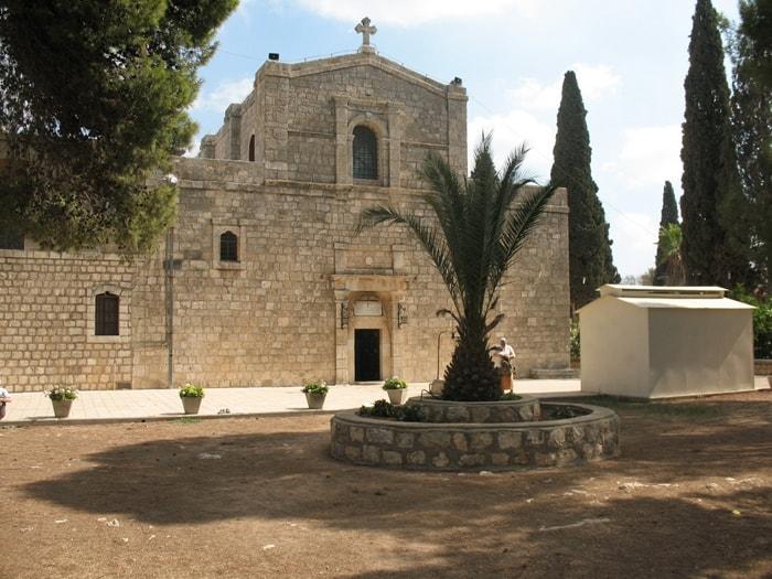 храм Преображения Господнего на горе Фавор