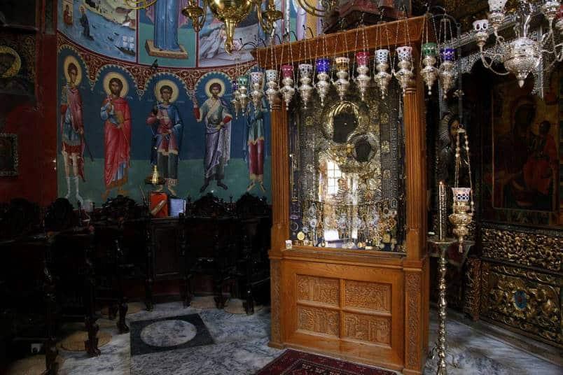 Иверская икона в храме фото