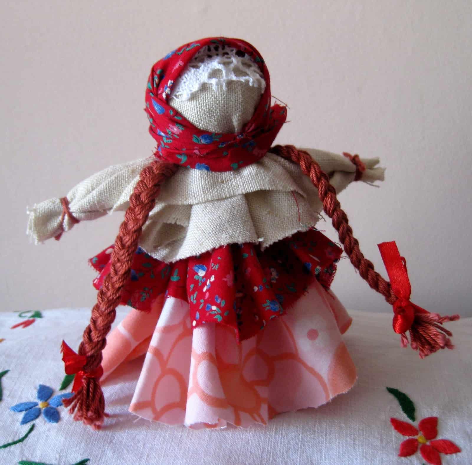 днем поделки куклы фото фото классической прихожей